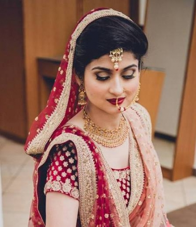 Smoky Eyes Makeup with Red Bridal Lehenga