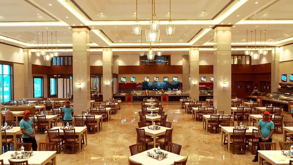wedding banquet halls of a 5 star hotel