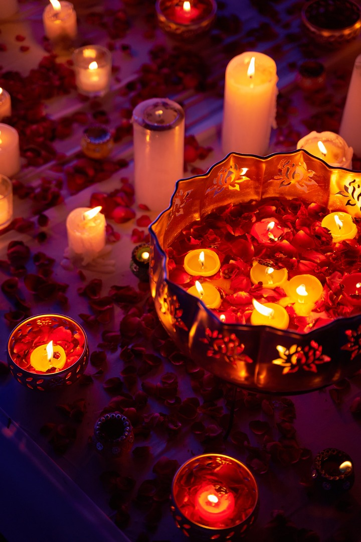 tea lights and candles as table décor