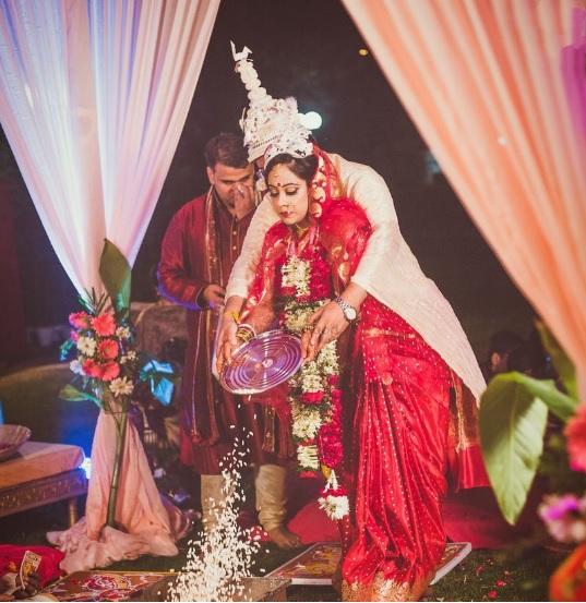 Bengali Couple taking Vows
