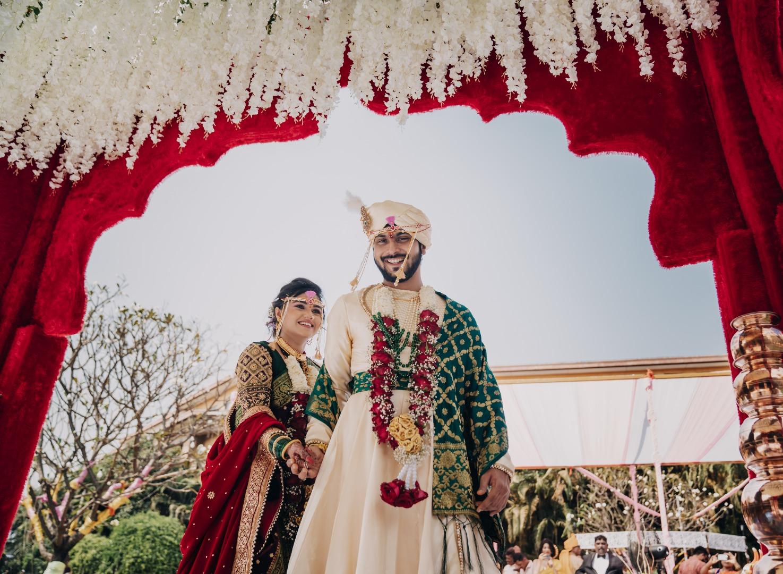marathi couple at their phere