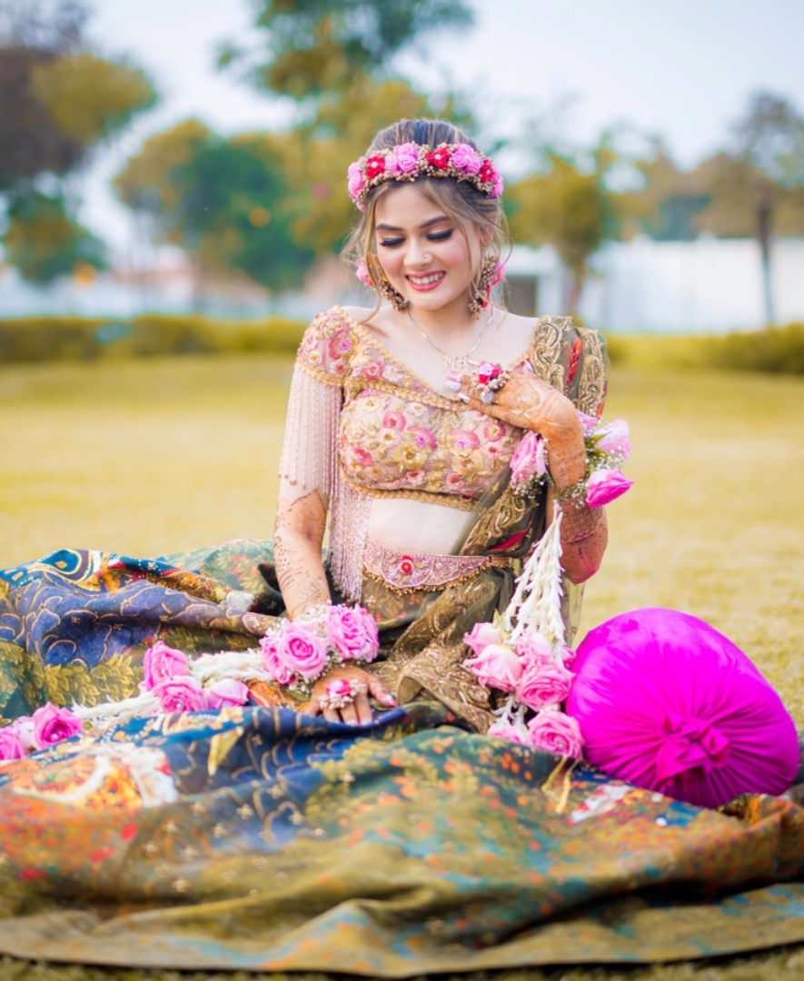 bride in stunning floral jewelry