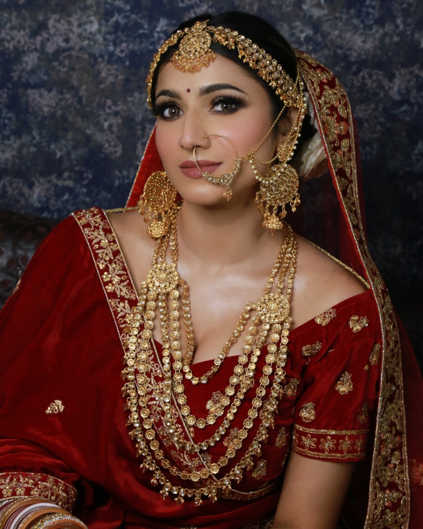 stunning bridal makeup with nude pink lips