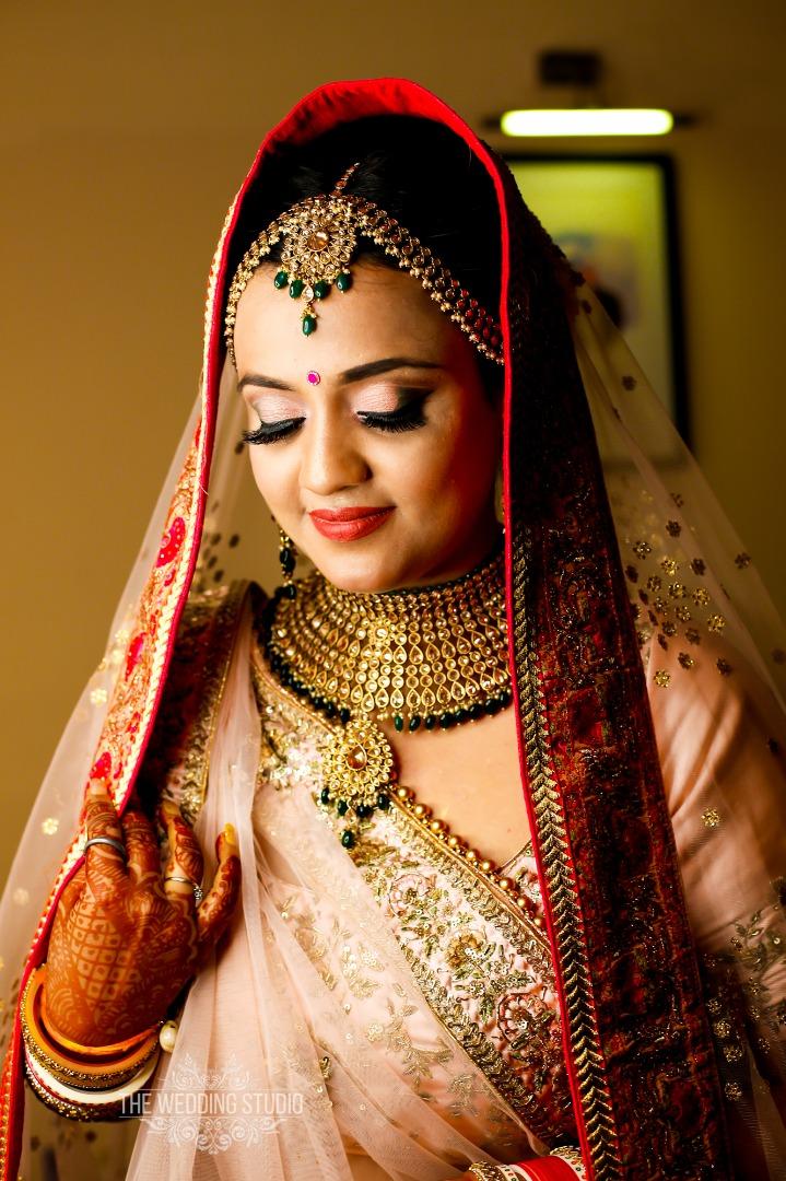 Best Bridal Makeup Ideas with Pink Lehenga