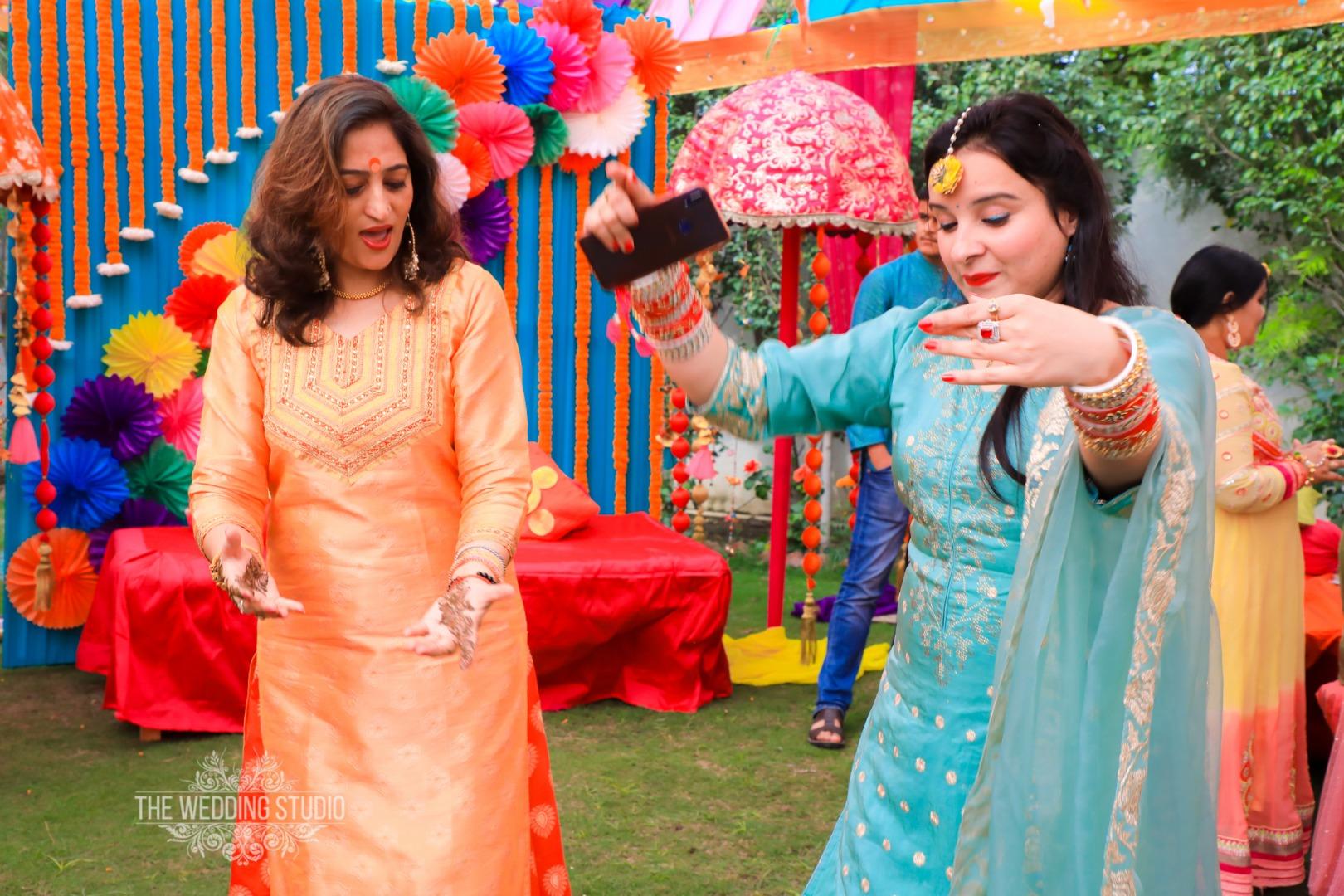 Sangeet Family Dance Candids