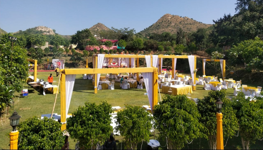 yellow and white event décor
