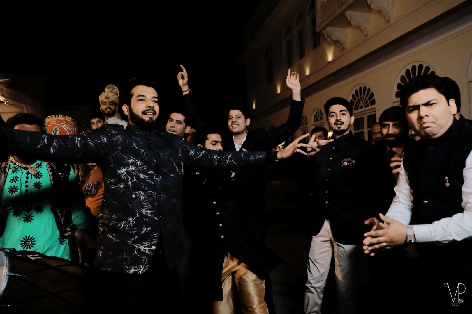 Crazy Baraat Dance