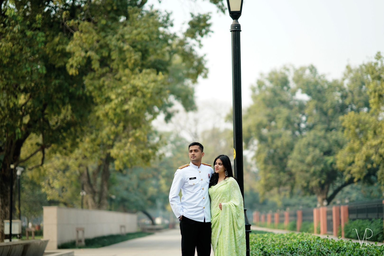 Outdoor Pre Wedding Couple Images