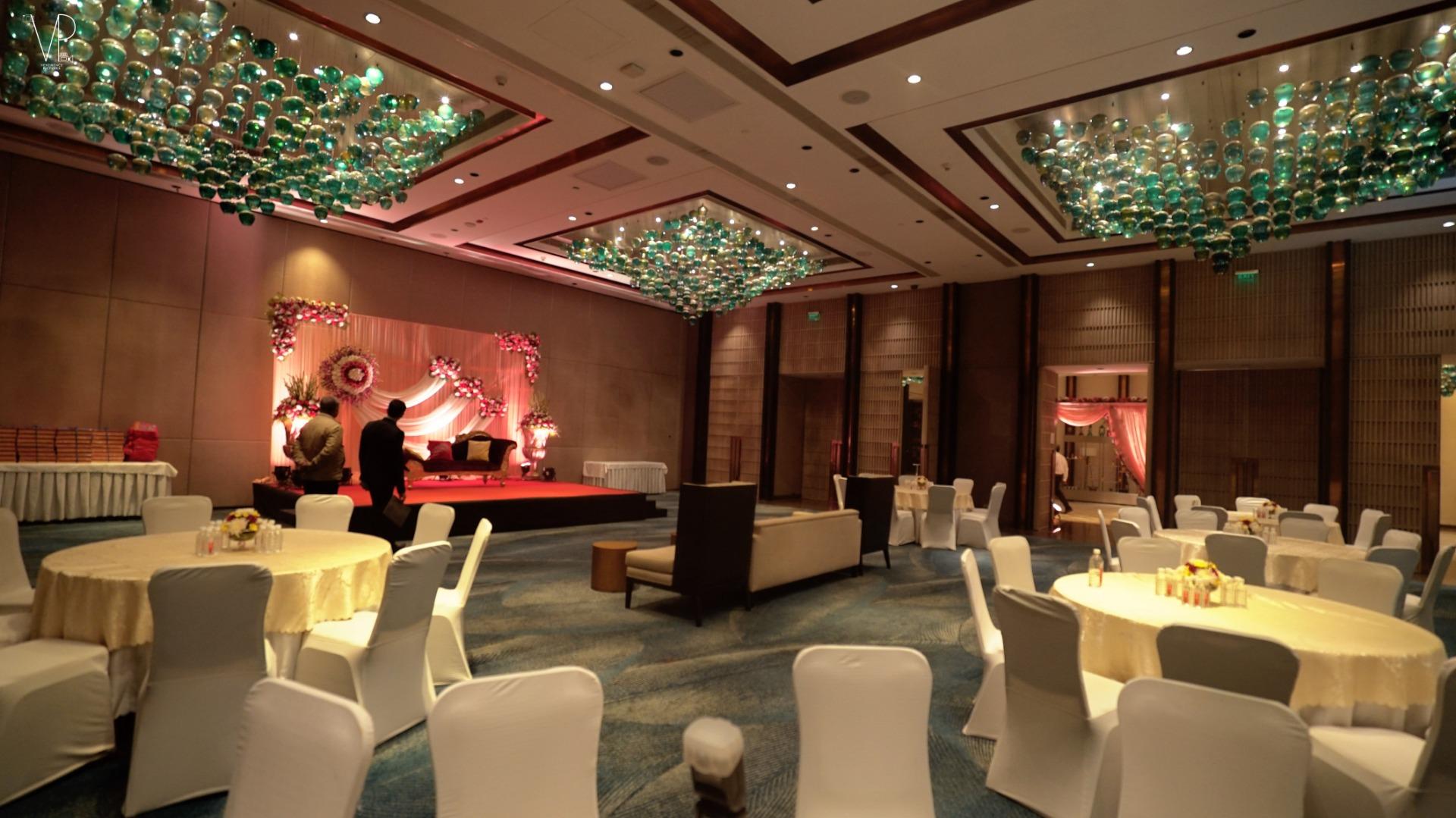 Elegant Indian Wedding Reception Decor Ideas