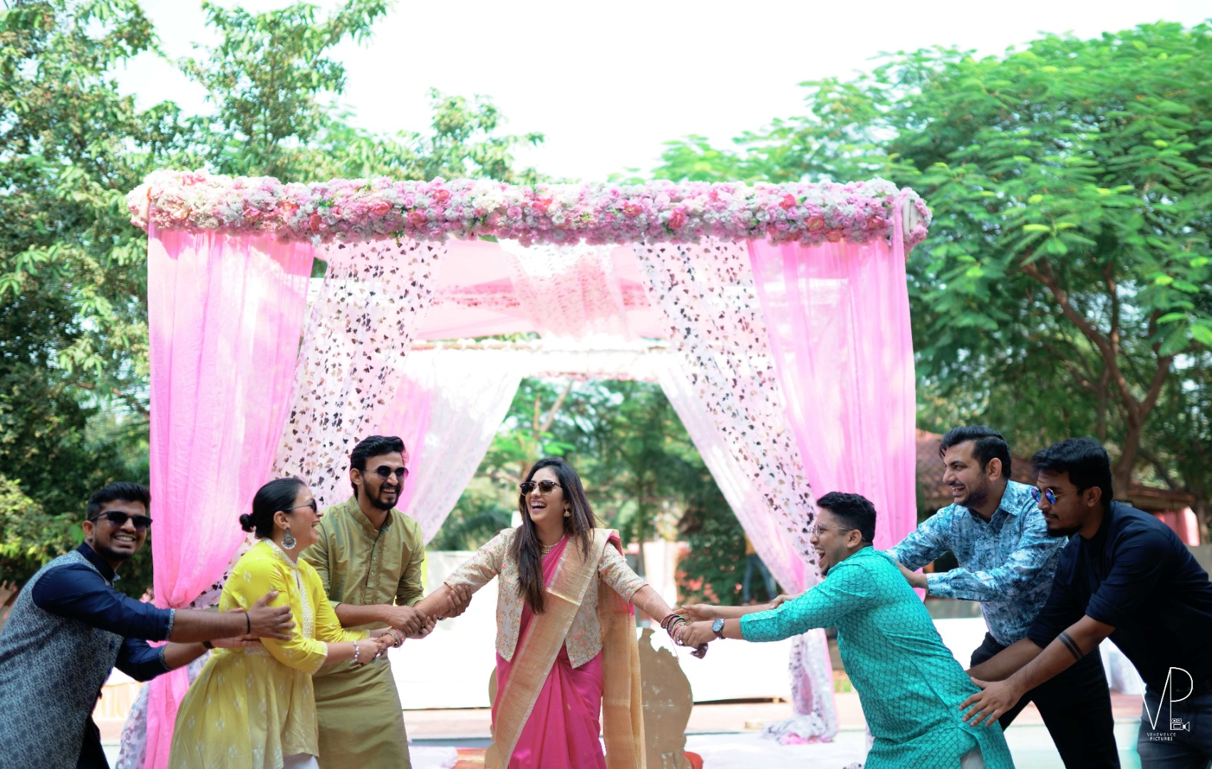 Fun Wedding Couple with Friends Poses
