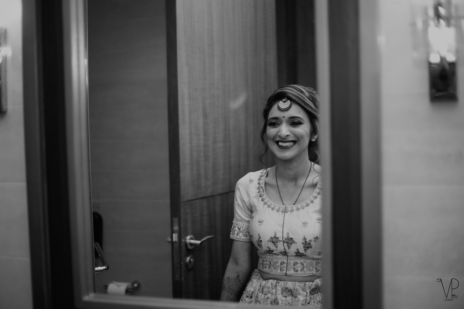 Gorgeous Black and White Indian Bridal Picture