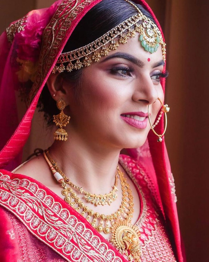 Gorgeous bride in Pink