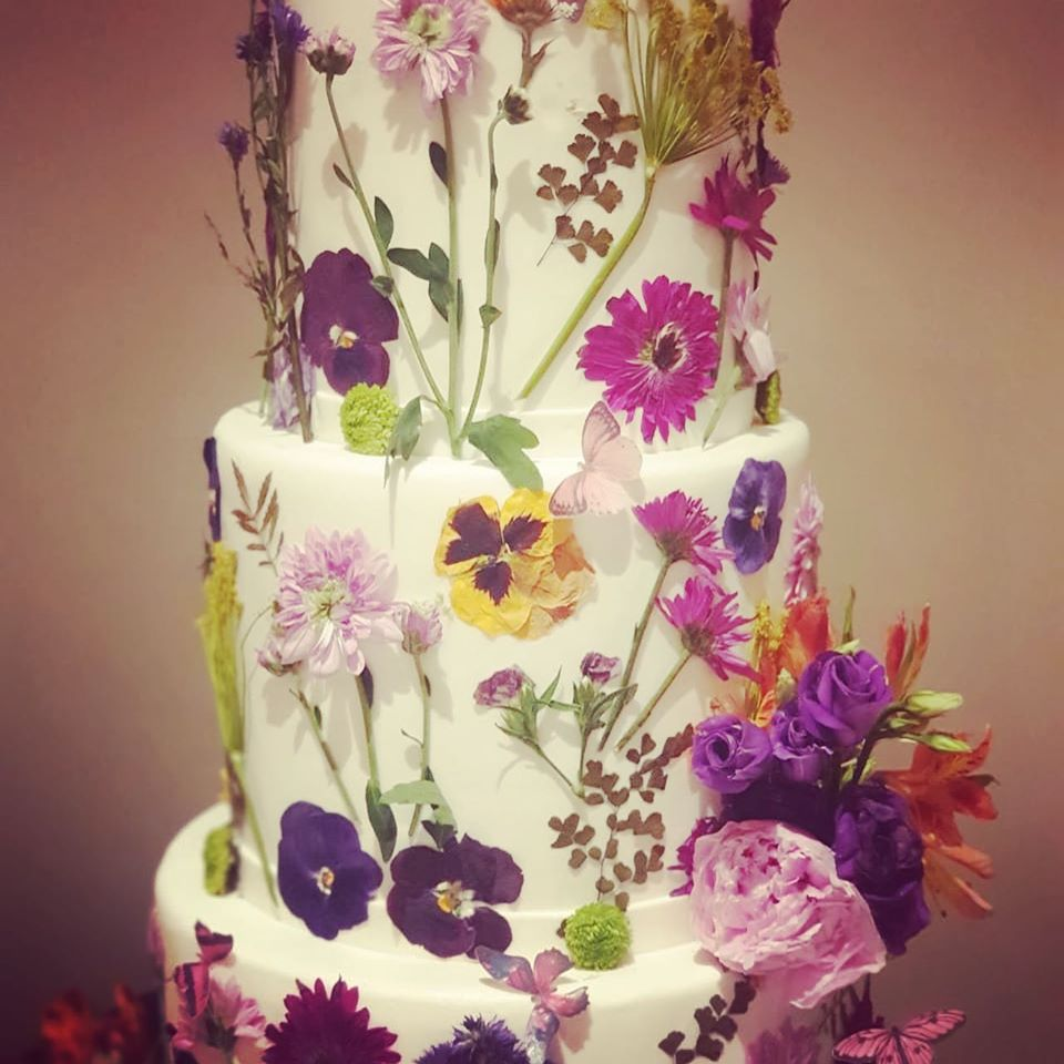 vanilla cake decor ideas