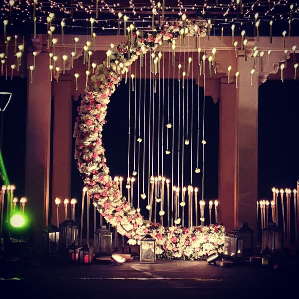 wedding decoration theme moon shaped
