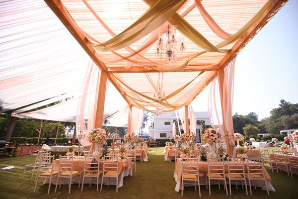 pastel decor in shades of peach