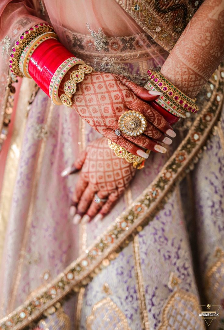 beautiful shot of the bride's mehendi