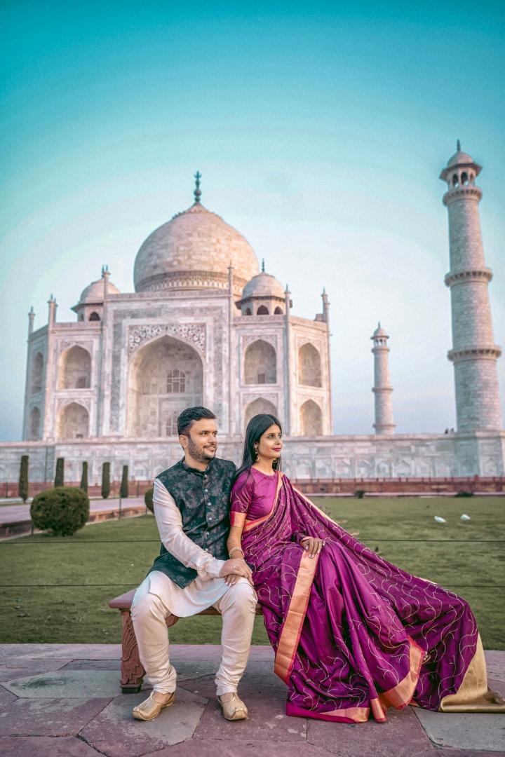 aesthetic pre wedding shoot at taj mahal
