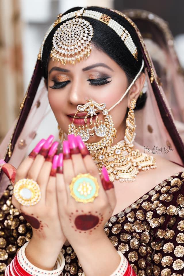 punjabi bride in smokey eye bridal makeup