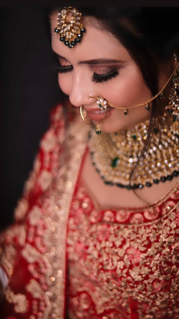 bride in smokey eye and nude pink lip makeup