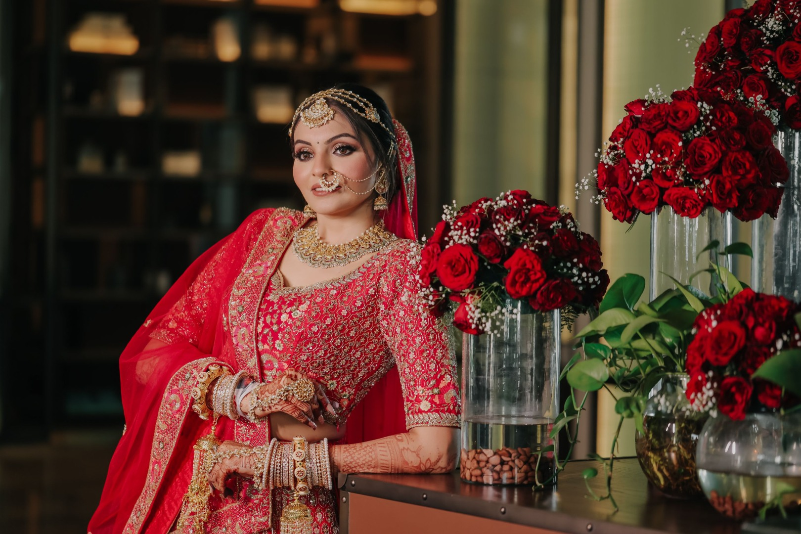 bride in natural makeup and heavy jewellery