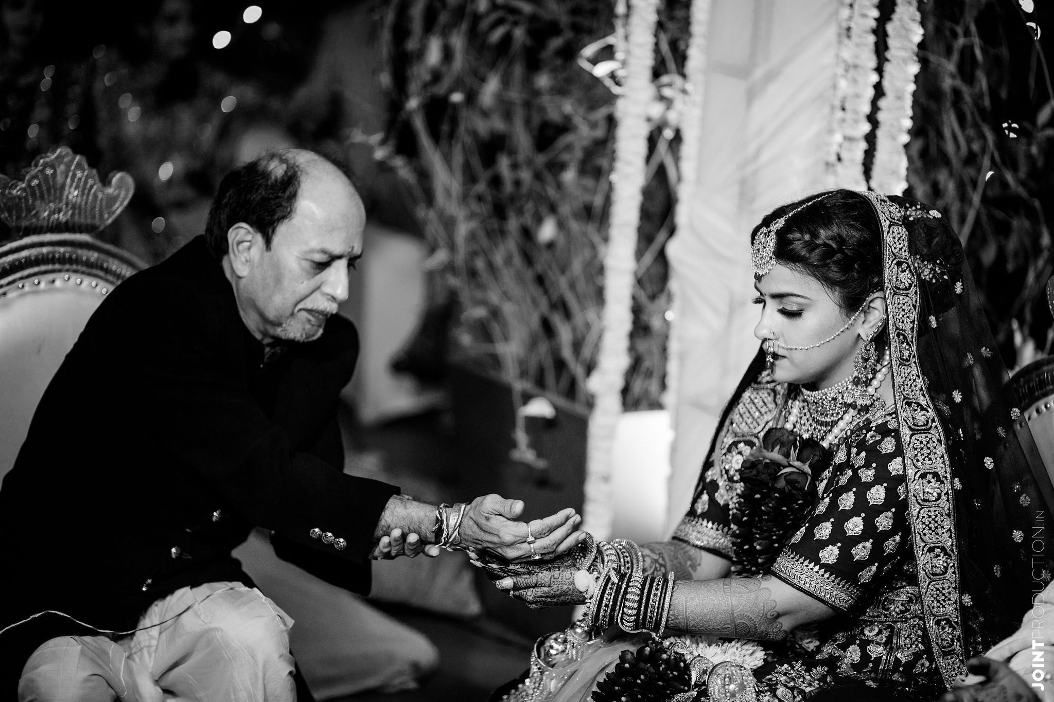 bnw shot of the bride at her kanyadaan