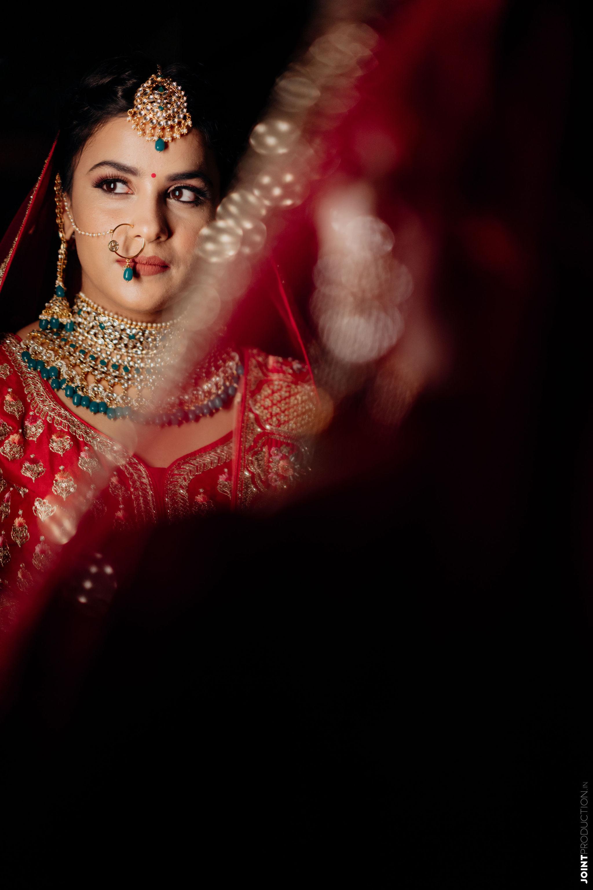 bride in contrasting bridal jewellery