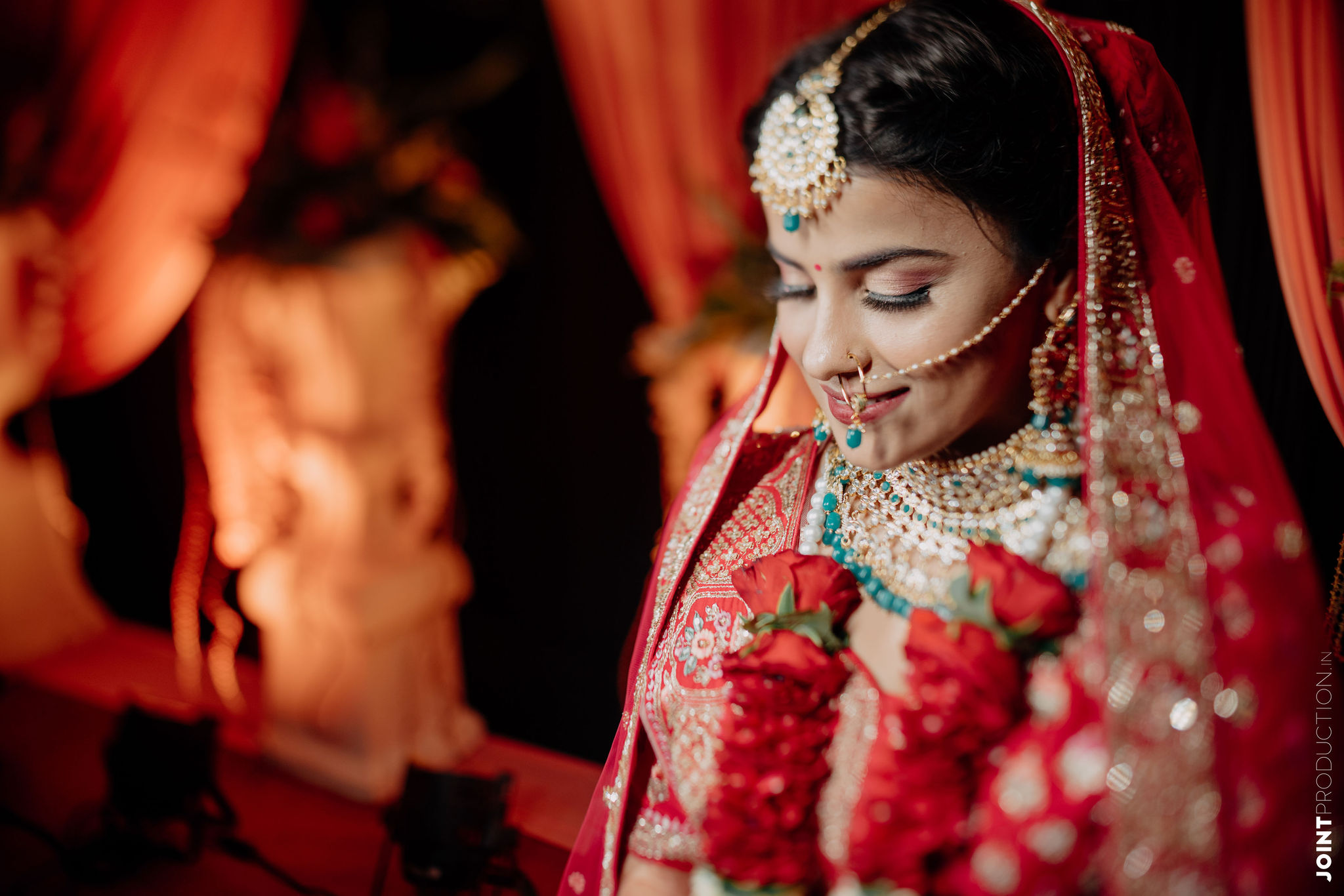 bride in pink bridal makeup