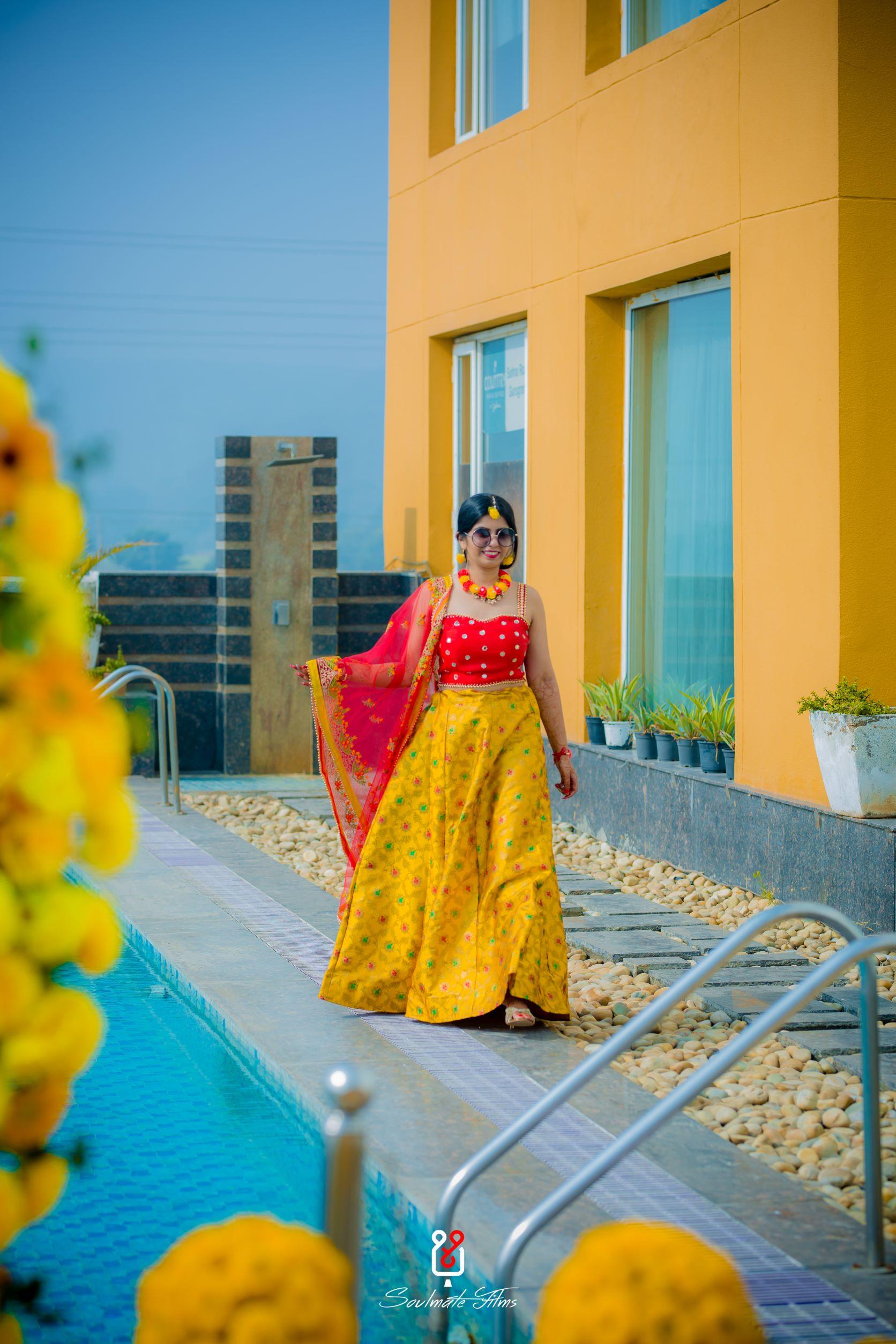 bride in yellow lehenga for haldi