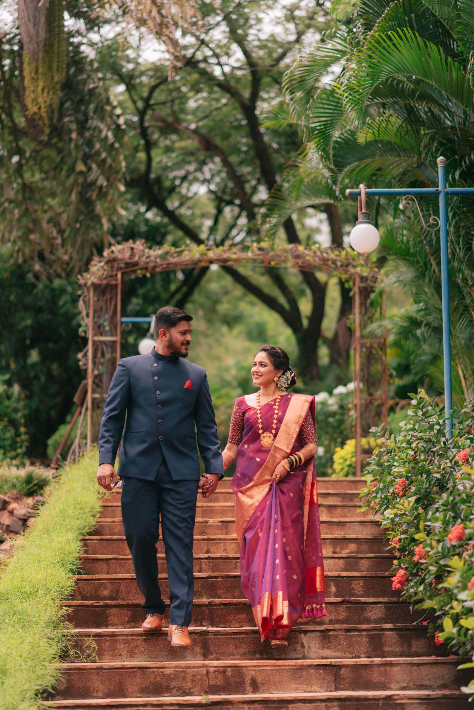 candid shot of the maharashtrian couple