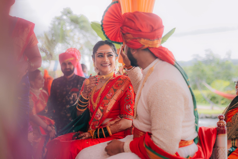 candid shot of the marathi couple