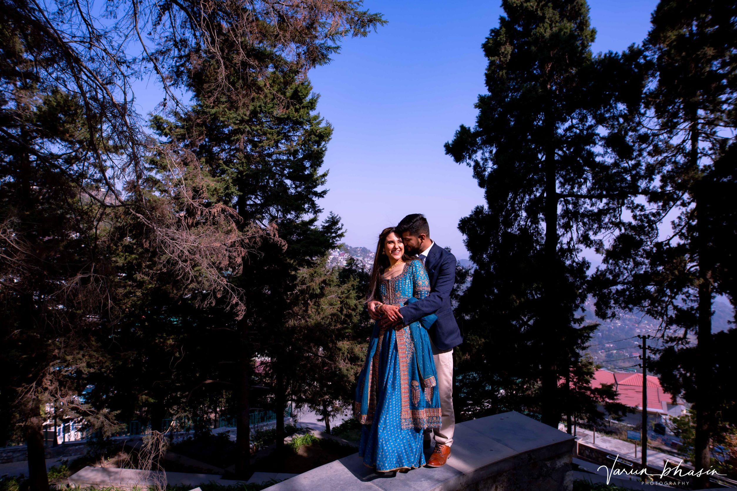 couple shoot on mountains