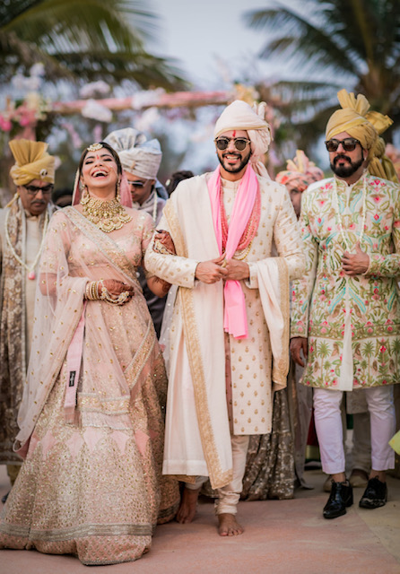 couples matching outfits for indian weddings