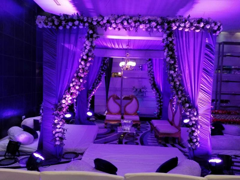 purple soothing lighting wedding design