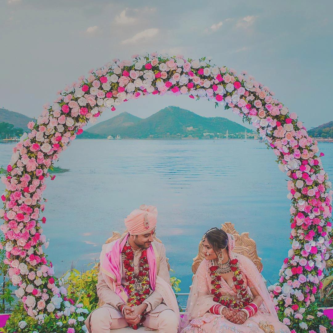 lakeside udaipur wedding