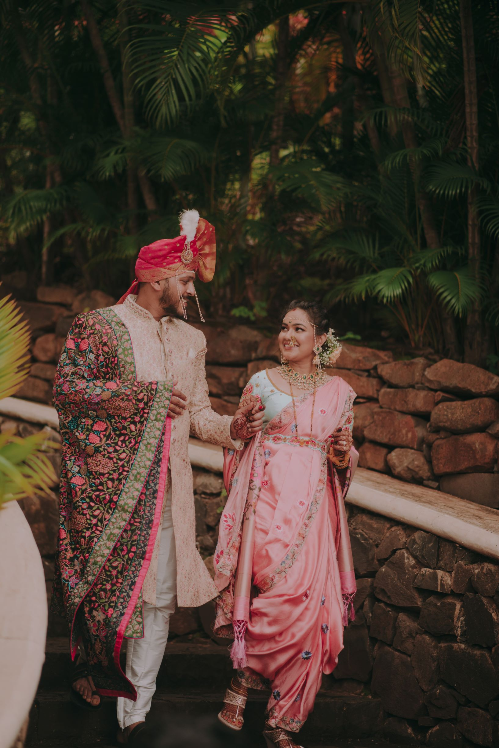 maharashtrian couple in pink outfits