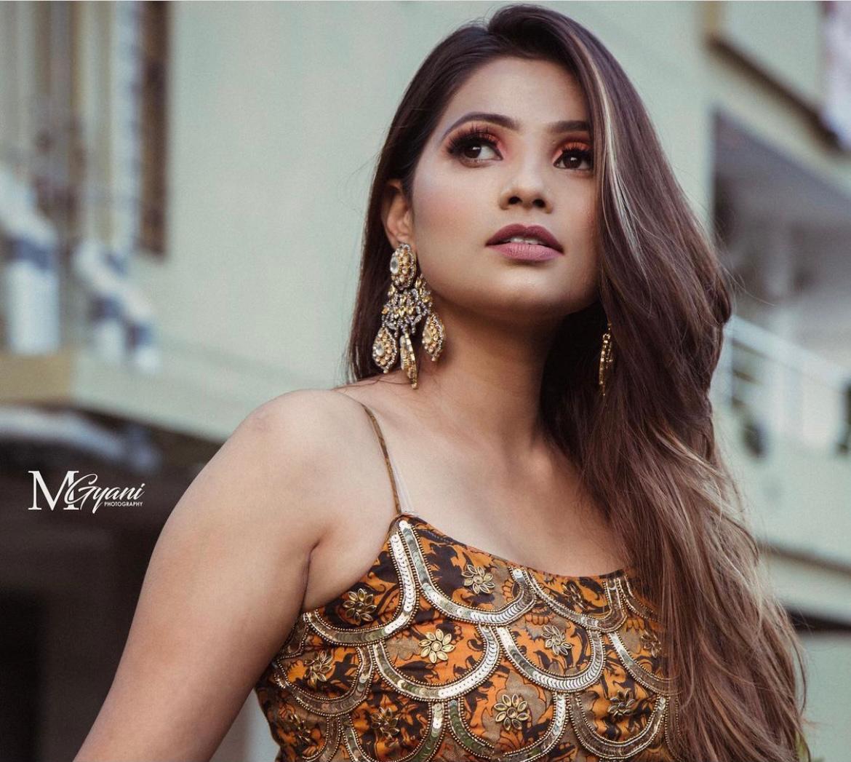 gorgeous gold metallic makeup
