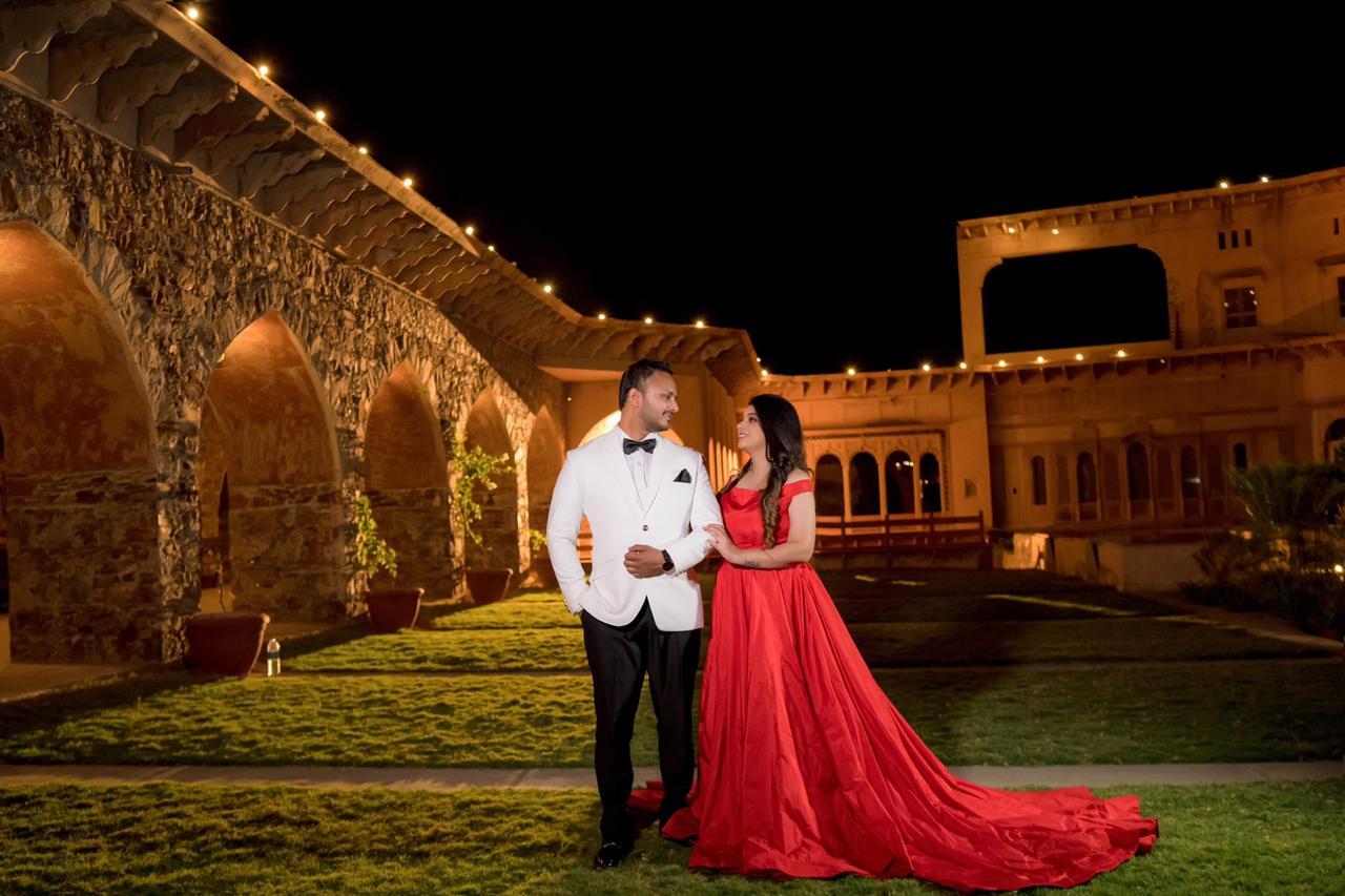 aesthetic pre wedding shoot