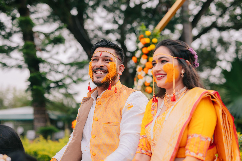 marathi couple at their haldi