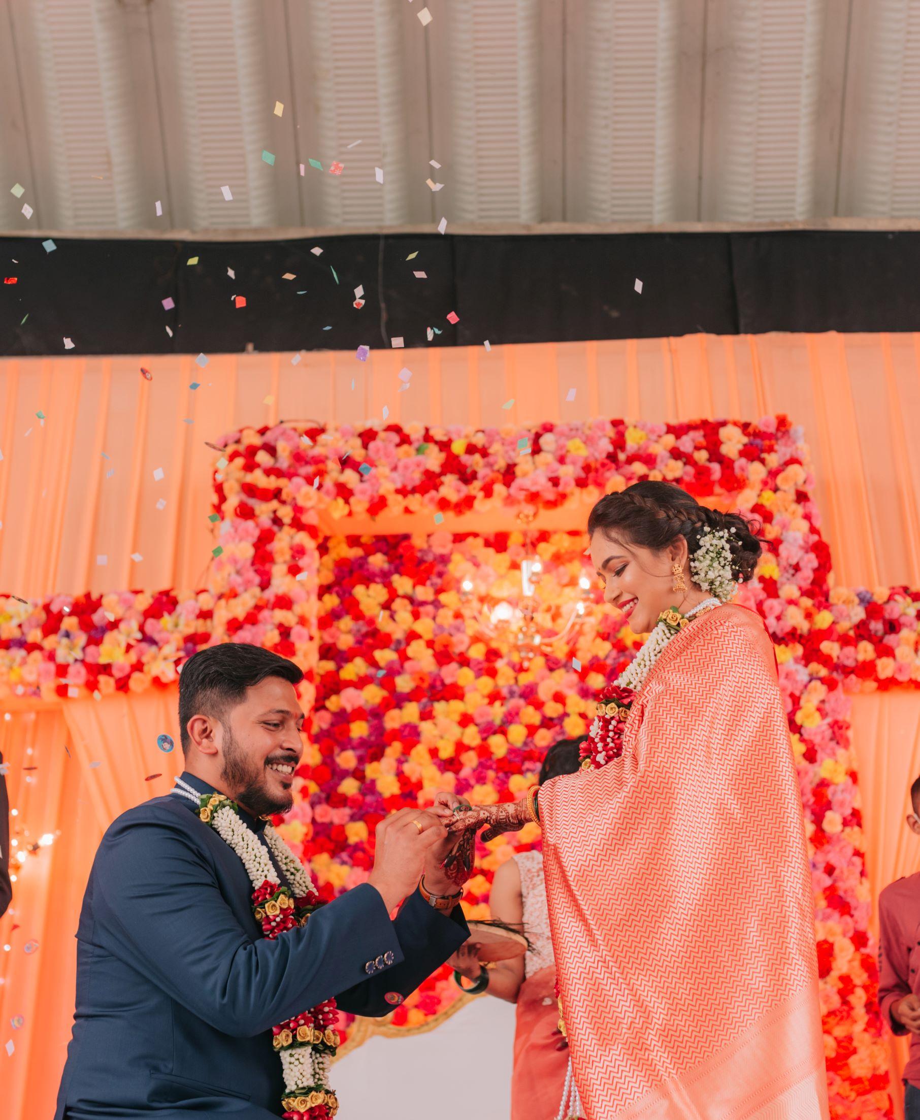 marathi groom on his knees