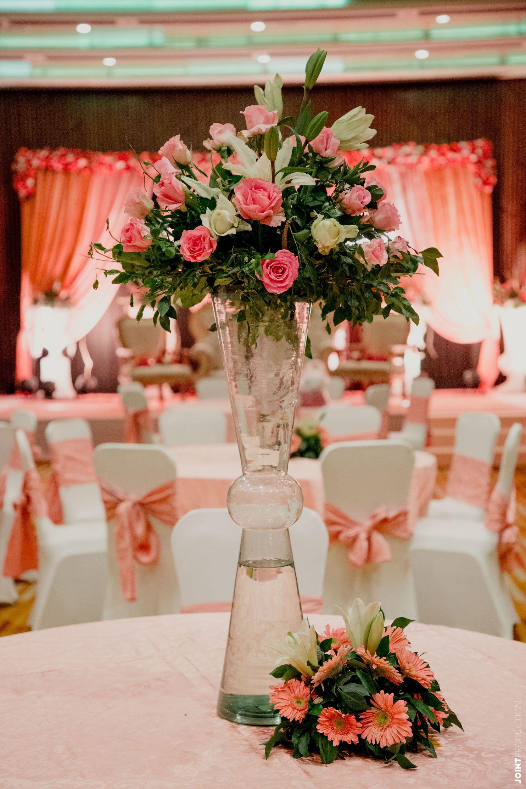 pastel pink table decor