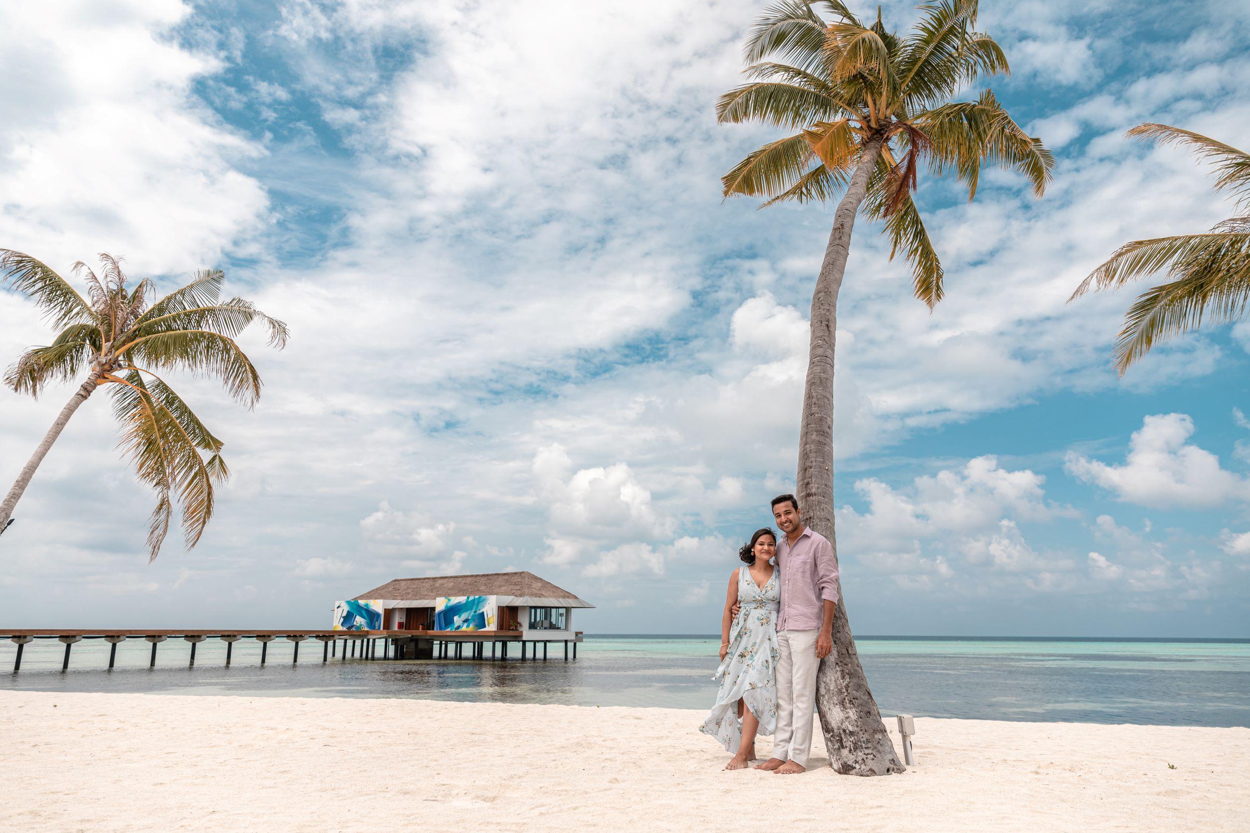 pre wedding shoot on the beach of maldives