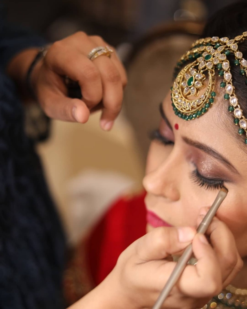 Shimmery Brown Eye Makeup