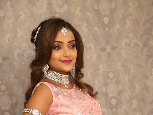pink nude bridal makeup