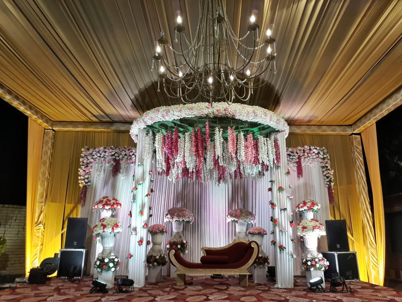 pastel floral ceiling decor