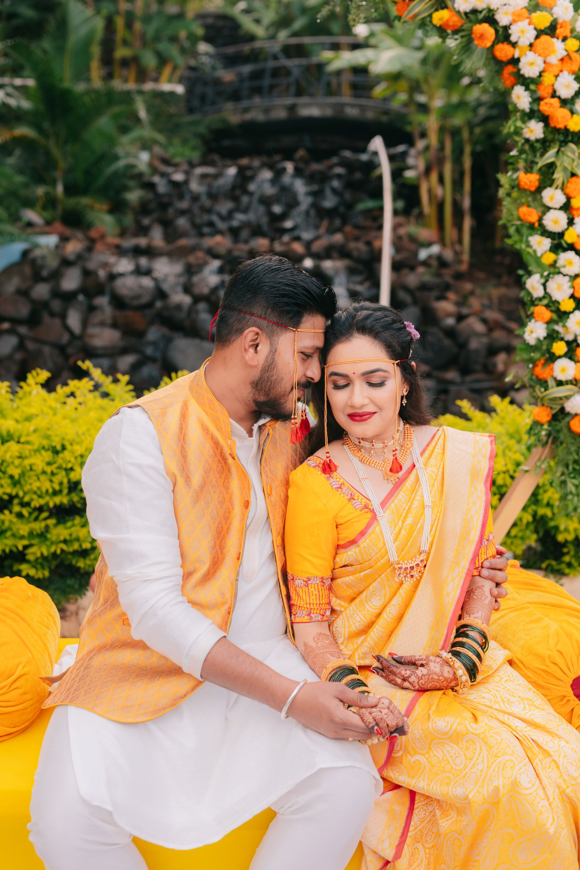romantic shot of the maharashtrian couple