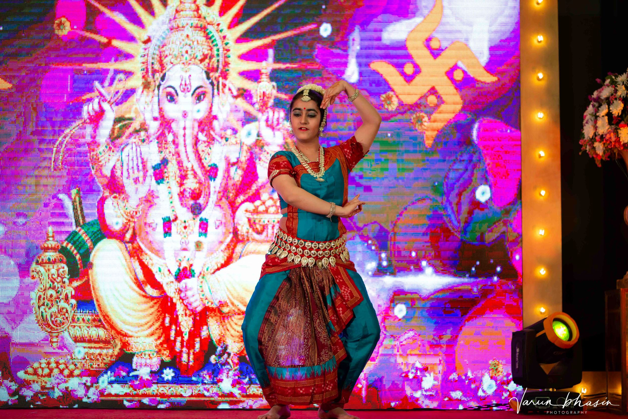 south indian dancer performing