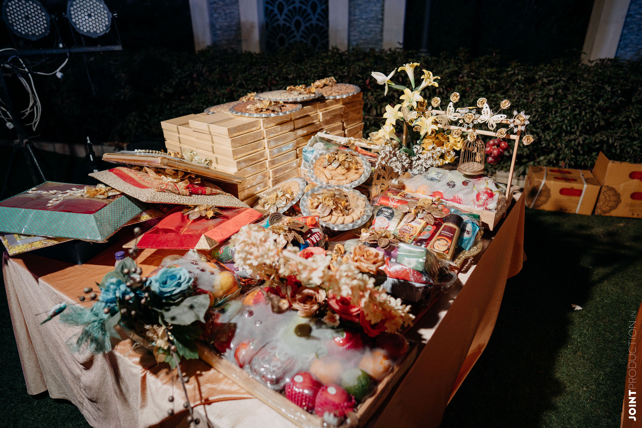 table of wedding favors and gift hampers