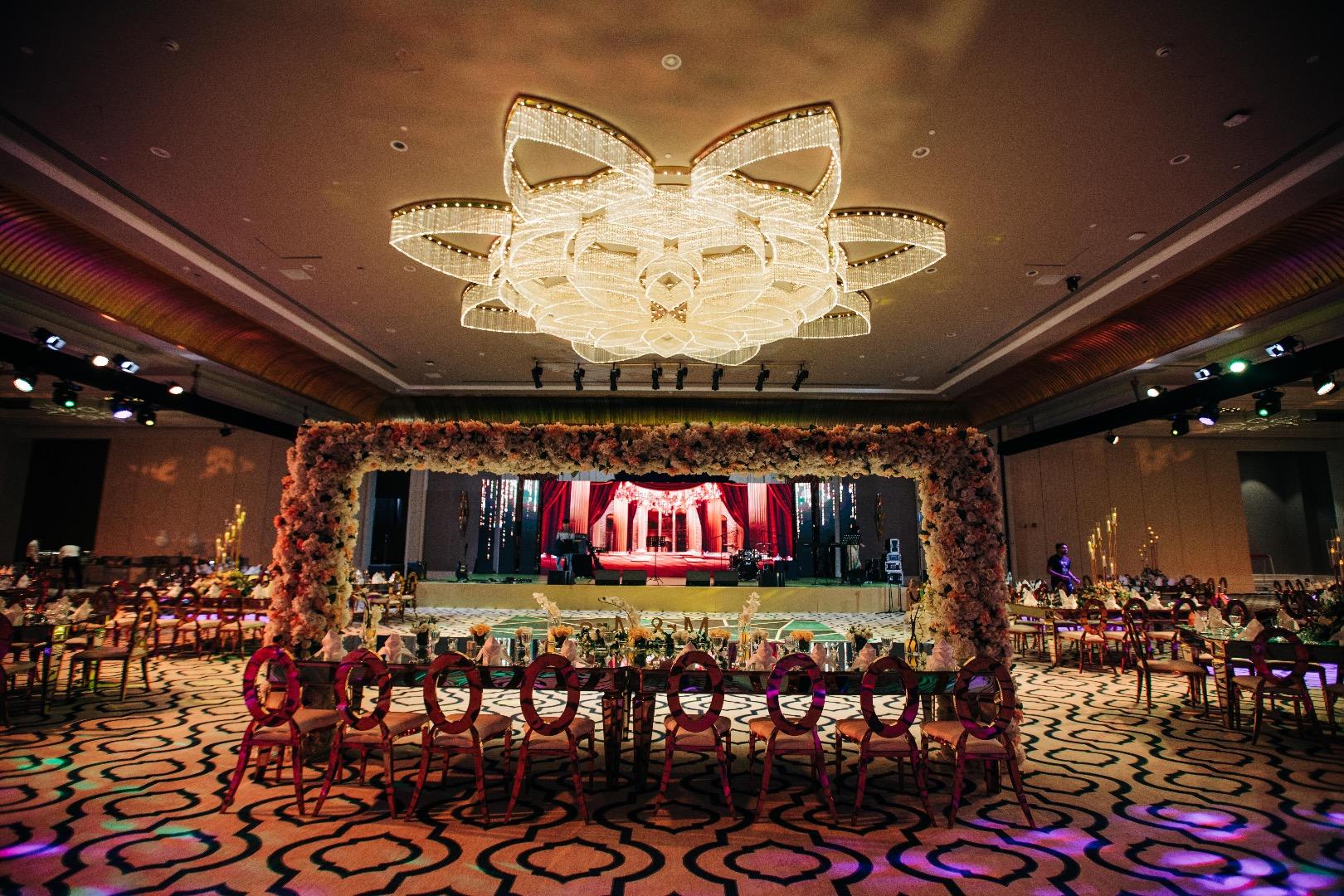floral ceiling décor
