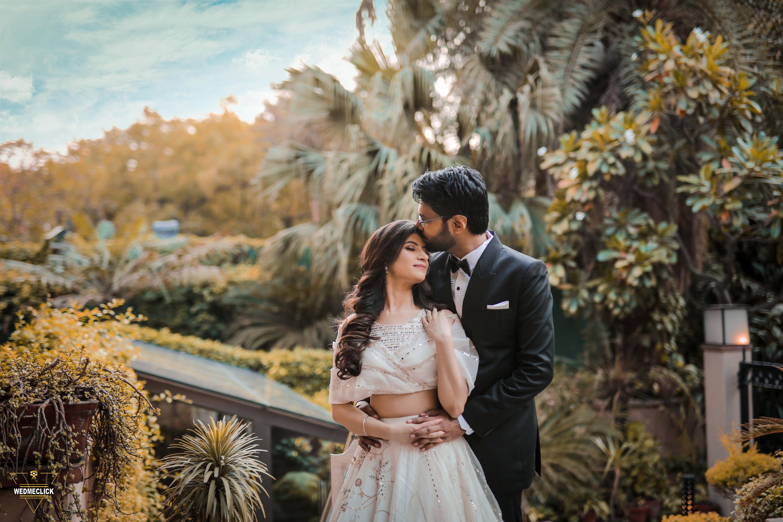 aesthetic pre wedding shot